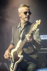 Paco Bastante, bajista de Julián Maeso Band (Mundaka Festival, Mundaka, 2017)