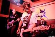 """Gonzalo Bilbao """"Lalo"""" -bajo-, Joseba Aranburu """"Joss"""" -voz y guitarra- y Johannes Ziegler -batería- de The BeatPunkers (Shake!, Bilbao, 2017)"""