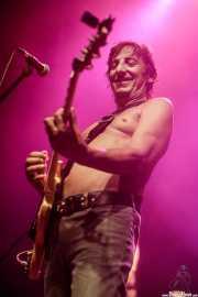 Cesar Scappa, guitarrista de Ana Curra presenta El Acto (Kafe Antzokia, Bilbao, 2017)