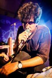 Álvaro Luna, cantante y guitarrista de Yellow Big Machine (Aste Nagusia - Algara Txosna, Bilbao, 2017)
