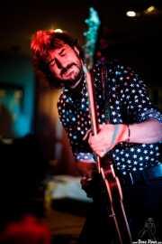 Raúl Fernández, guitarrista de Pájaro (Satélite T, Bilbao, 2017)