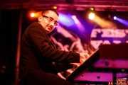 John Bramley, pianista de Sugar Daddy & The Cereal Killers (Festivalle Tobalina, Quintana Martín Galíndez, 2017)