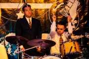 """Simone """"Sugar Daddy"""" Caputo -voz, guitarra y armónica- y Francis Needham -batería- de Sugar Daddy & The Cereal Killers (Festivalle Tobalina, Quintana Martín Galíndez, 2017)"""