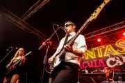 Natalie Sweet -guitarra-, Greg Lowery -voz y bajo- y Tim E. Delicious -batería- de The Control Freaks (Funtastic Dracula Carnival, Benidorm, 2017)