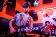 Gonzalo González -guitarra- y Asier San Sebastián -batería-  de Albert Cavalier (Shake!, Bilbao, 2017)