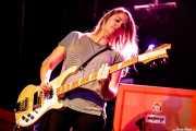 Kris Doty, bajista  de Sallie Ford (Sala Stage Live (Back&Stage), Bilbao, 2017)