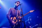Ross Farrelly -voz y armónica- y Josh McClorey -guitarra- de The Strypes (Kafe Antzokia, Bilbao, 2018)