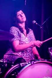 Fiona Campbell, baterista de Chain & The Gang (Kafe Antzokia, Bilbao, 2018)