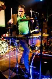 Carlos Mendes, cantante y baterista de The Twist Connection (Hika Ateneo, Bilbao, 2018)