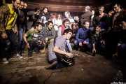 Ritxi Blanco, guitarrista de Mocker's entre el público (Kafe Antzokia, Bilbao, 2018)