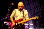 Josu Aguinaga, guitarrista de Los Cuatro Jinetes (Sala BBK, Bilbao, 2018)