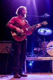 Adam Hoskins, guitarrista de Pokey LaFarge (Kafe Antzokia, Bilbao, 2018)