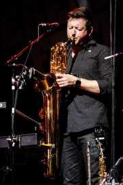 Paul Booth, saxofonista, flautista y teclista de Steve Winwood & Band (Music Legends Fest, Sondika, 2018)