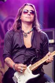 Soren Anderson, guitarrista de Glenn Hughes & Band (Music Legends Fest, Sondika, 2018)