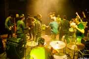 Álvaro Luna -voz y guitarra-, Roberto Villar -batería-, Sergio Gil -bajo- y Pablo Moreno -guitarra y voz- de Yellow Big Machine (Kafe Antzokia, Bilbao, 2018)