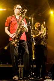 Willy Kalambres Wallace -saxo- y Mihail Goldfingers -saxo y flauta- de The Cherry Boppers (Santana 27, Bilbao, 2018)