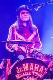 Patxi López Monasterio, baterista y tabla de lavar de Dr. Maha's Miracle Tonic (Kafe Antzokia, Bilbao, 2019)