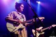 Barezi Caballero -voz y guitarra- y Jone Ibarretxe -bajo- de Cecilia Payne (Kafe Antzokia, Bilbao, 2019)