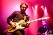 Mario Cobo -guitarra y lap steel guitar- y Dani Álvaraz -guitarra- en gira con Kim Lenz (Kafe Antzokia, Bilbao, 2019)