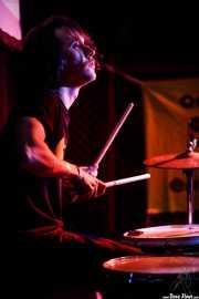 Peter Chopsticks, baterista de Sloks (Hika Ateneo, Bilbao, 2019)