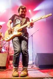 Endika Fiz -guitarra- y Javier Rivero -guitarra- de Negracalavera (Kafe Antzokia, Bilbao, 2019)
