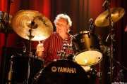 Kevin Morris, baterista de Dr. Feelgood (Kafe Antzokia, Bilbao, 2019)