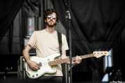 Michael Byrnes, bajista de Mt. Joy (Azkena Rock Festival, Vitoria-Gasteiz, 2019)