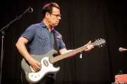 Johnny Sangster, teclista y guitarrista de Neko Case