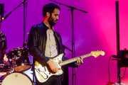Jon Aguirrezabalaga, guitarrista invitado de Hertzainak. Josu Zabala & Gari (Palacio Euskaduna Jauregia, Bilbao, 2019)