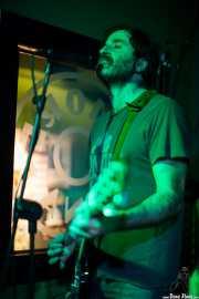 Marcos Montoto, cantante y guitarrista de Peralta, , . 2013
