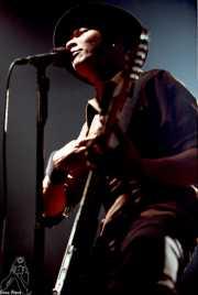 Danko Jones, cantante y guitarrista (Sala Jam, Bergara, 2001)