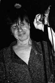 Peter Zaremba, cantante, teclista y armonicista de The Fleshtones (Sala Azkena, Bilbao, )