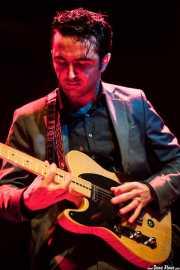 Néstor Pardo, cantante y guitarrista de The Allnight Workers, Kafe Antzokia. 2013