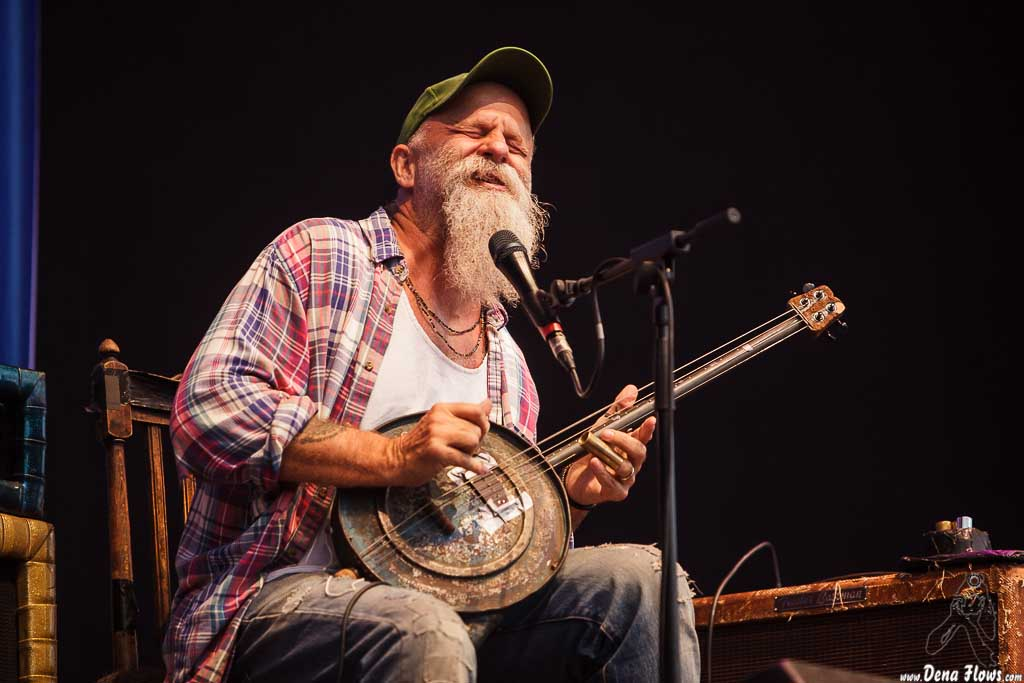 Seasick Steve. Fotos por Dena Flows